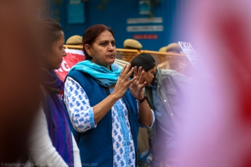 The sit-in was graced by the stirring speeches made by various individuals from different backgrounds and regions. Currently serving as the head of a civil society collective for women in Haryana, she ragingly cited instances from his her own state when the government was disciplined by girl students demanding their rights. This, she argued, must be emulated here in Delhi.